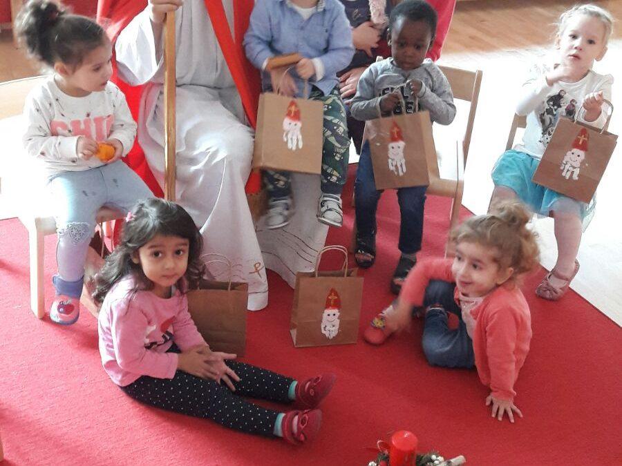 Nikolaus zu Besuch im Kindergarten